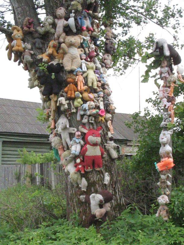 The more you walk around, the more stuffed animals and dolls you see nailed up to trees and fences. You become anxious about whoever lives here. You're hoping whoever did this is far away.
