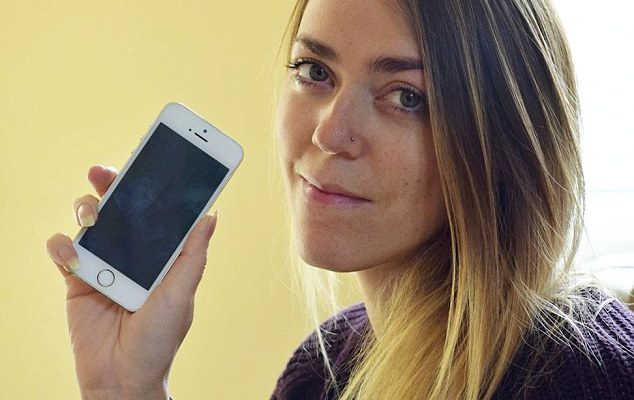 Celebrities On Speed Dial: Woman Gets Contact List Full Of Numbers